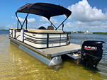 24 ft. Lexington 523 Pontoon Boat Rental Miami Image 4