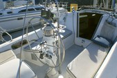 27 ft. Catalina 270 Fin Sloop Boat Rental San Diego Image 3