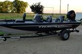 18 ft. Tracker by Tracker Marine Pro Team 175 TXW w/60ELPT 4-S  Bass Boat Boat Rental Dallas-Fort Worth Image 4