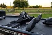 18 ft. Tracker by Tracker Marine Pro Team 175 TXW w/60ELPT 4-S  Bass Boat Boat Rental Dallas-Fort Worth Image 5