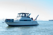 42 ft. Carver Yachts 380 Santego SE Cruiser Boat Rental New York Image 12