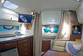 30 ft. Doral Prestancia 300 MC Cruiser Boat Rental New York Image 4