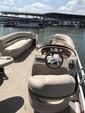 22 ft. Sun Tracker by Tracker Marine Party Barge 20 DLX Signature w/60ELPT 4-S Pontoon Boat Rental N Texas Gulf Coast Image 4