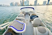 25 ft. Avalon Pontoons 24' Catalina Cruise Pontoon Boat Rental Miami Image 3