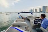 25 ft. Avalon Pontoons 24' Catalina Cruise Pontoon Boat Rental Miami Image 4