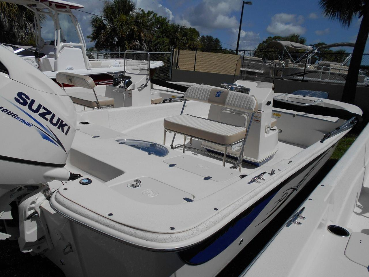 New 2015 Carolina Skiff 218 DLV for sale