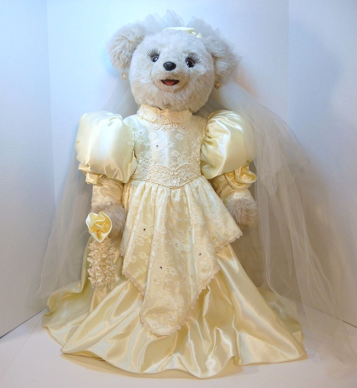 Tilly Collectibles Princess Nicole Wedding Bear 1990 QVC