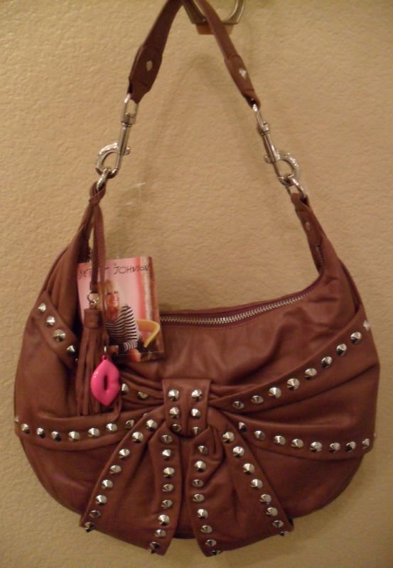 NWT BETSEY JOHNSON Bows & Arrows Leather Hobo $268 NEW