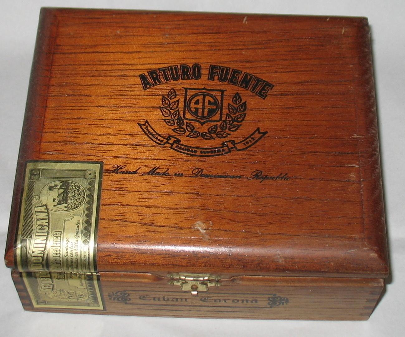 Arturo Fuente Cuban Corona Empty Wood Cigar Box Vintage
