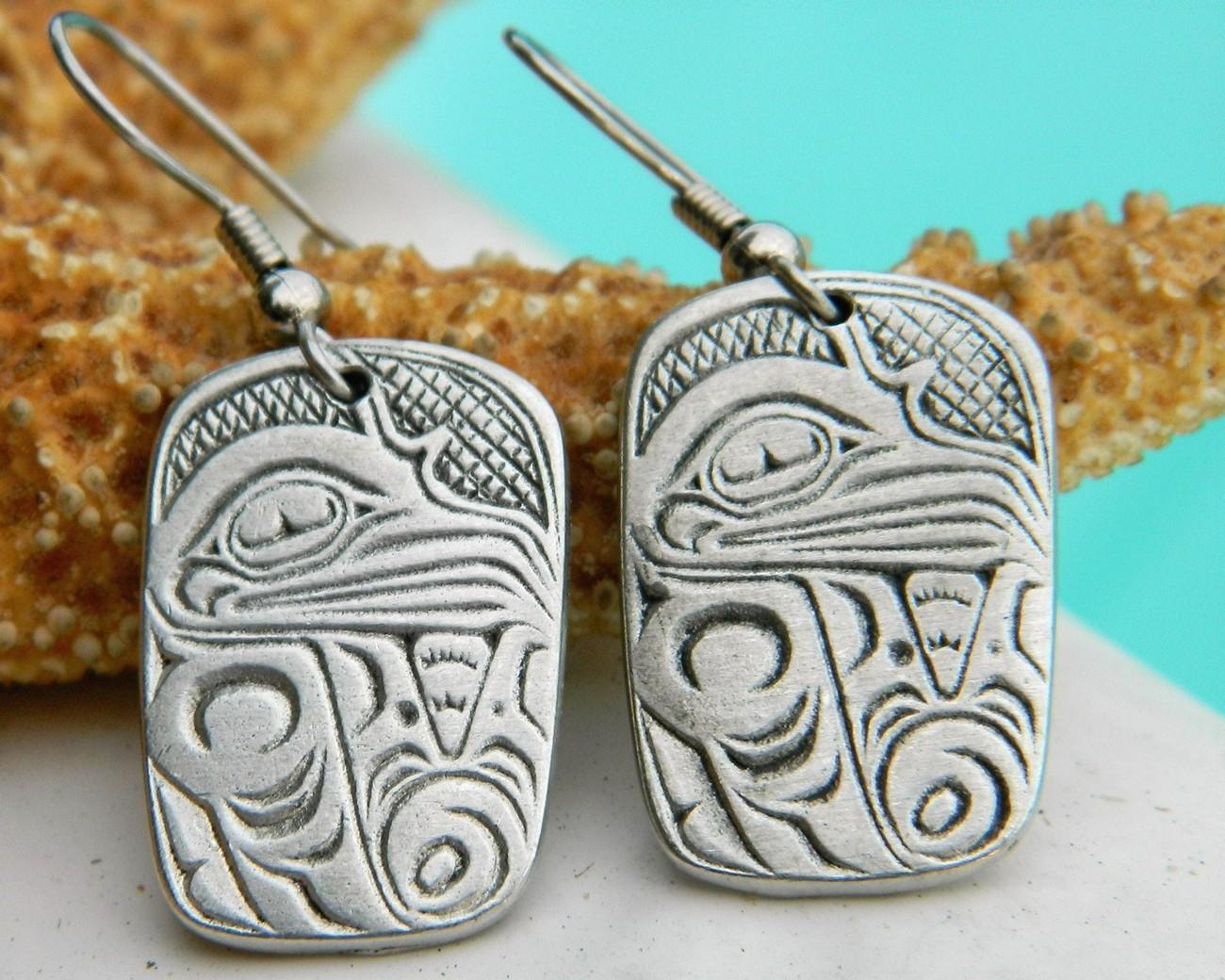 Aztec_eagle_bird_symbol_earrings_cuauhtli_pewter