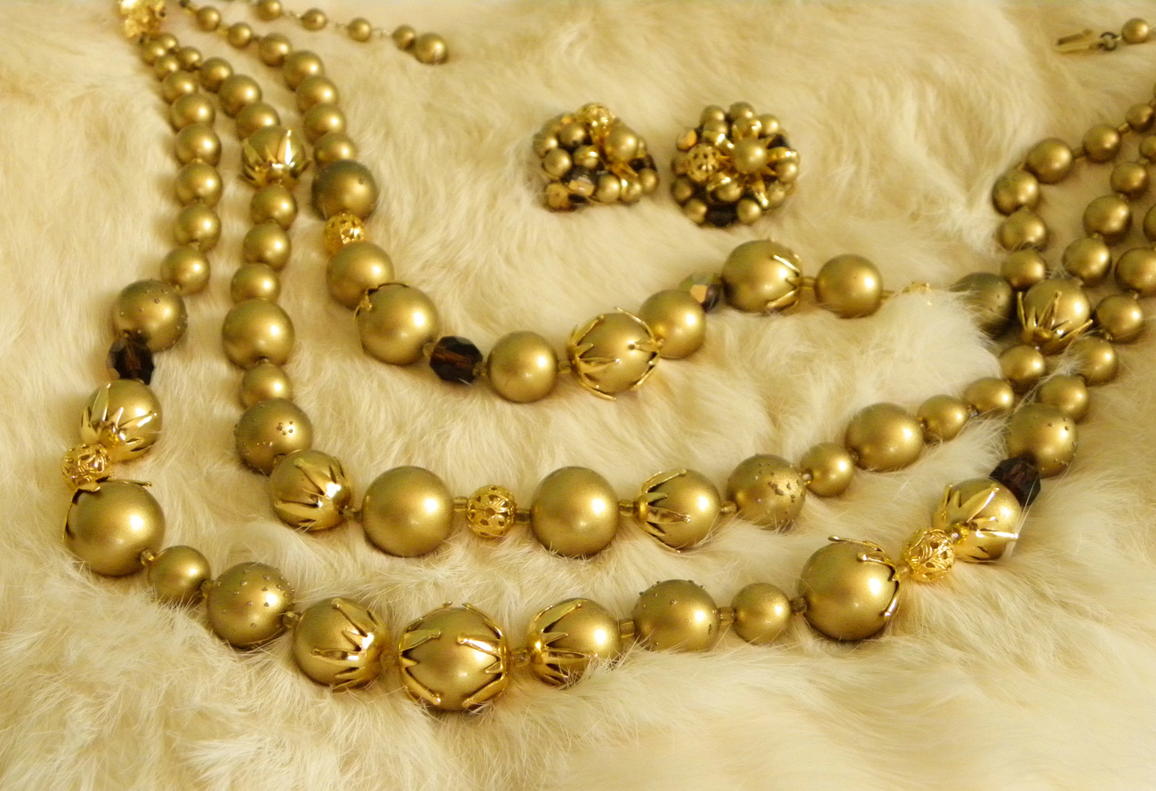Gold Beaded 3 Strand Gold Tone Necklace Earrings Set Vintage
