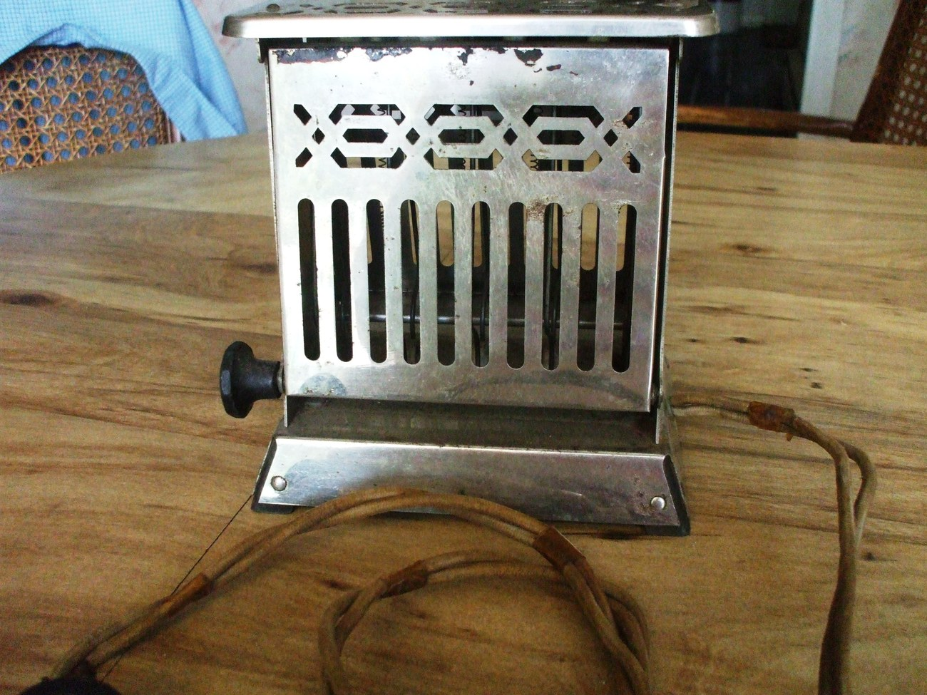Antique Electric Toasters ~ Click picture to enlarge