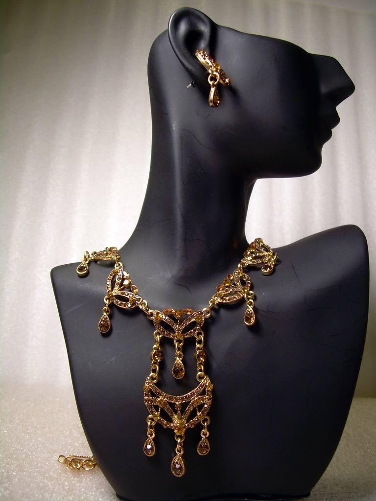 GENUINE AUSTRIAN Amber CRYSTAL JEWELRY SET Victorian style Necklace & Earrings