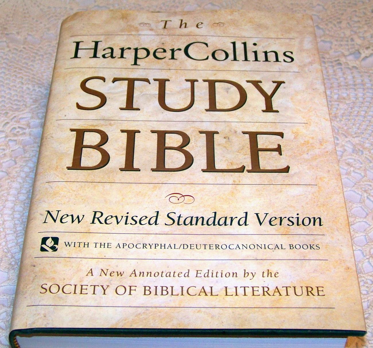 NRSV New Revised Standard Version Bibles - Christianbook.com