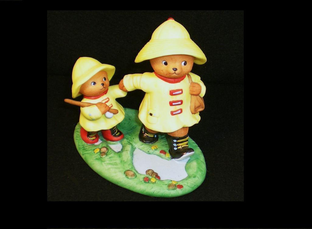Image 1 of Calendar Bears April Rains Bears Bronson Figurine 1990