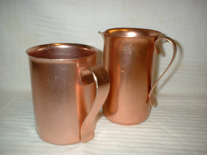 2 COLOR CRAFT Aluminum Pitchers + Retro Salt & Pepper
