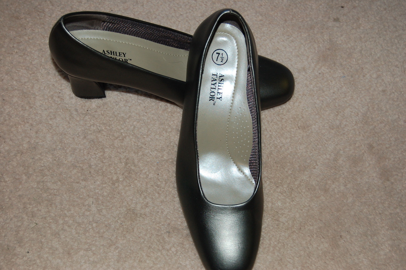 Ashley_taylor_pewter_gray_pumps