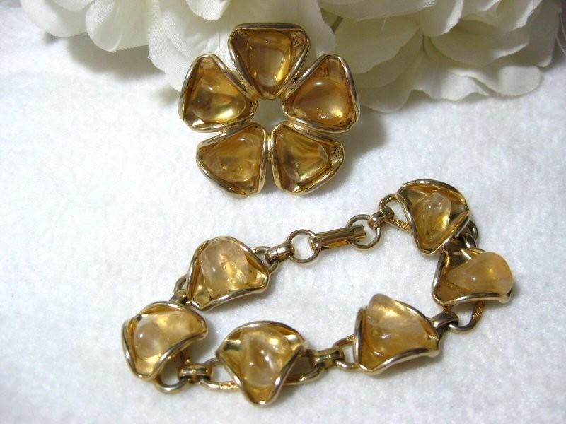 Vintage Quartz Flower Brooch w/Matching Bracelet Demi