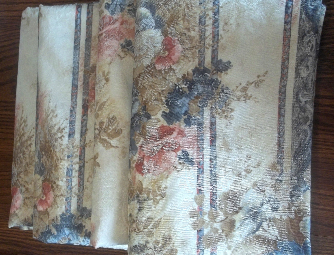 Floral_drapes_jc_penney_11935_cream_blue_pink_lot_of_4_24_x_62_011