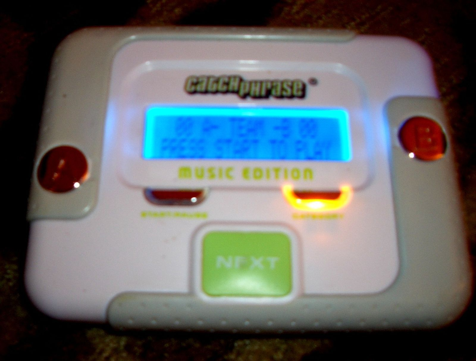 how to play electronic catch phrase
