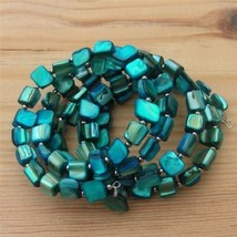 Blue_-_mother_of_pearl_bracelet_thumb200