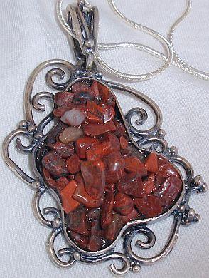 H cut stones pendant