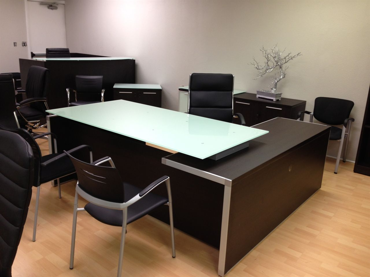 Chiarezza Executive L Desk Split Level And 14 Similar Items