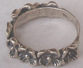Silver flowers ring A