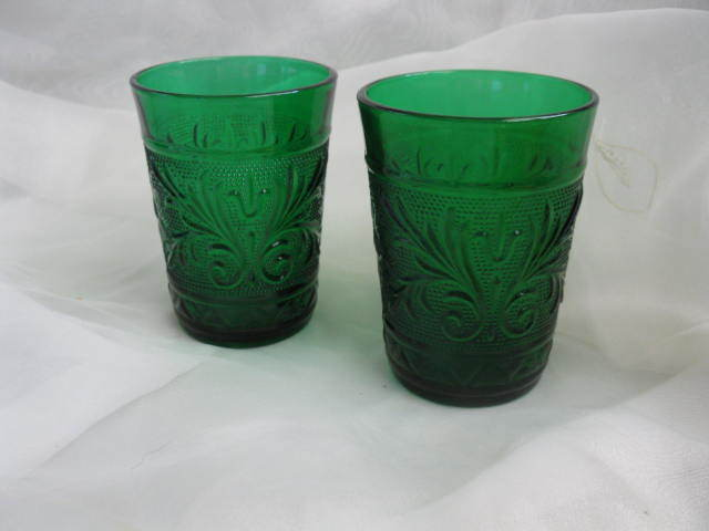 "Sandwich Glass ANCHOR HOCKING FOREST GREEN TUMBLER 2pc Set  4 "" TALL. 9 oz 1950s"