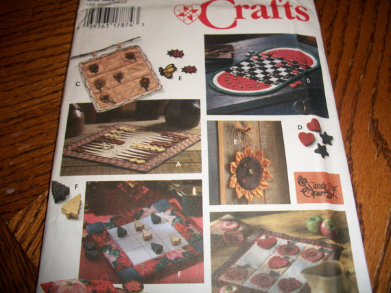 crafts that sell checkers backgammon and tic tac toe pattern craft 1772
