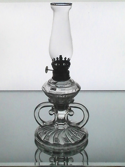 Vintage_pegged_oil_lamp_clear_3_section_10.25_x_4.5_early_1900_s_001