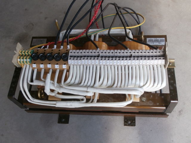 Image of GIFU-AICHI-ELECTRIC-DRY-TYPE-TRANSFORMER-GNZ-243247 by Howard Brothers