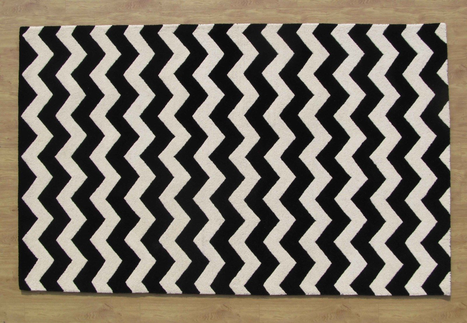 Large Hand Tufted Chevron Black And White 9 39 X 12 39 Transitional Woole
