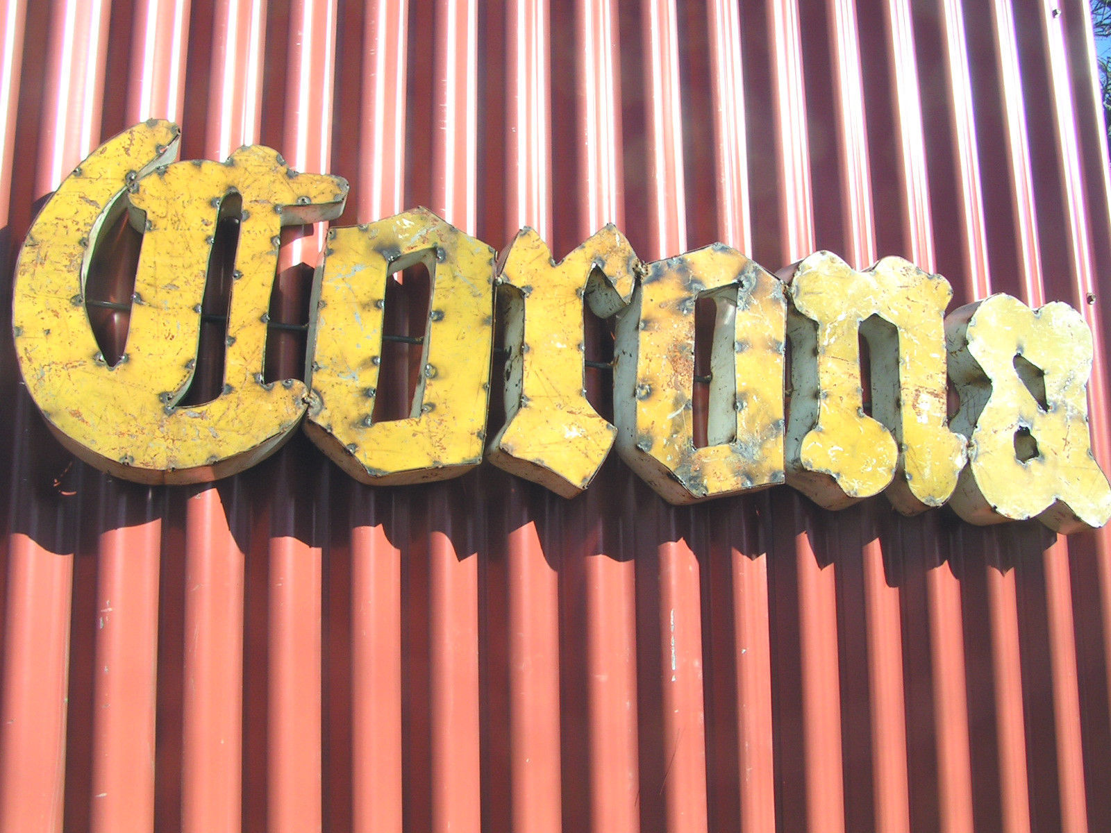 Junk iron corona beer sign man cave party room decor bz for Iron accents promo code