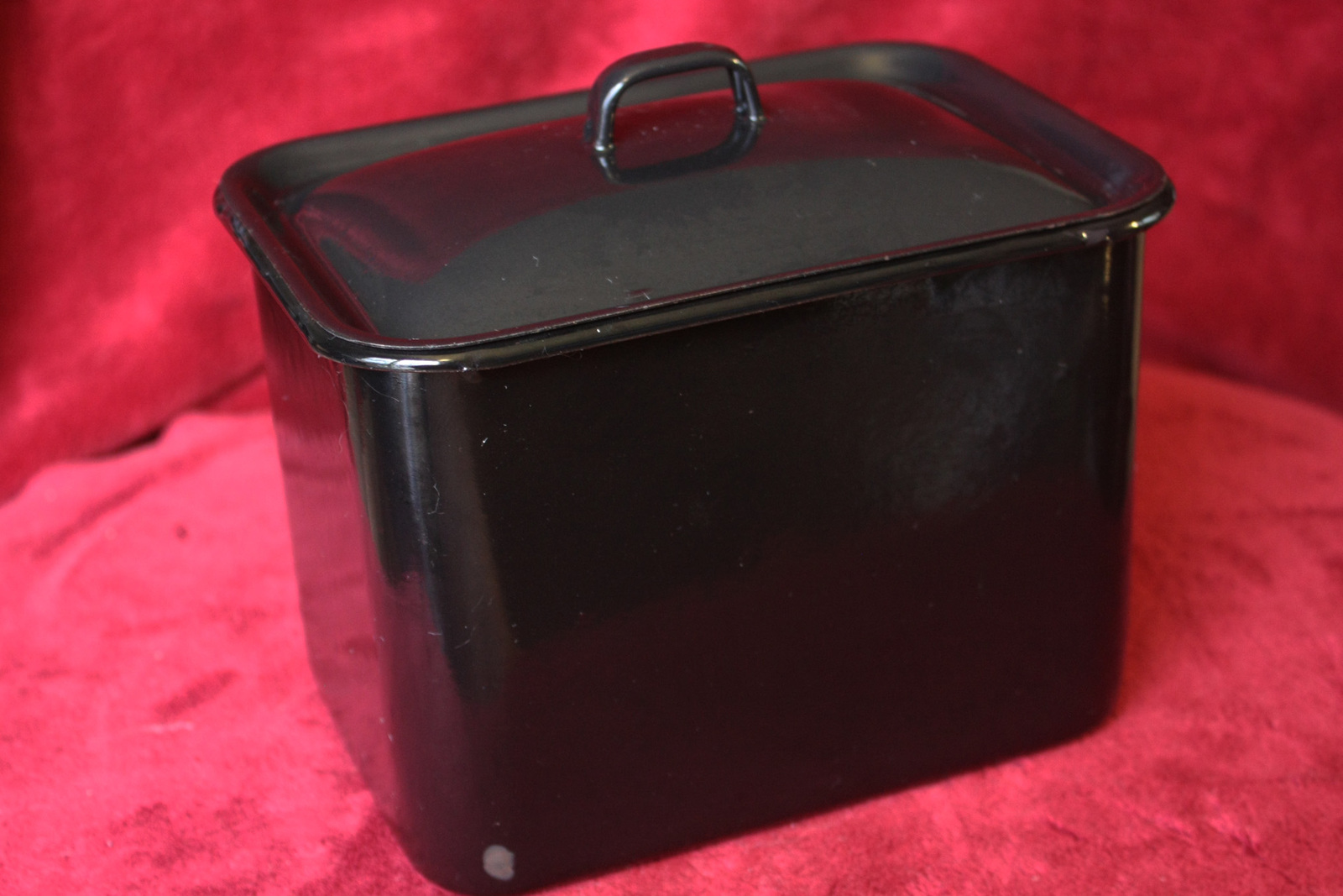 vintage black enamelized metal kitchen storage bin with lid other. Black Bedroom Furniture Sets. Home Design Ideas