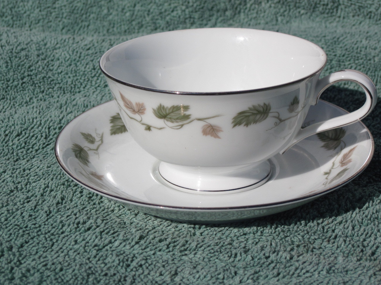 Noritake Vineyard 6449 LOT Cup & Saucer SET 6449 MORE avail this pattern