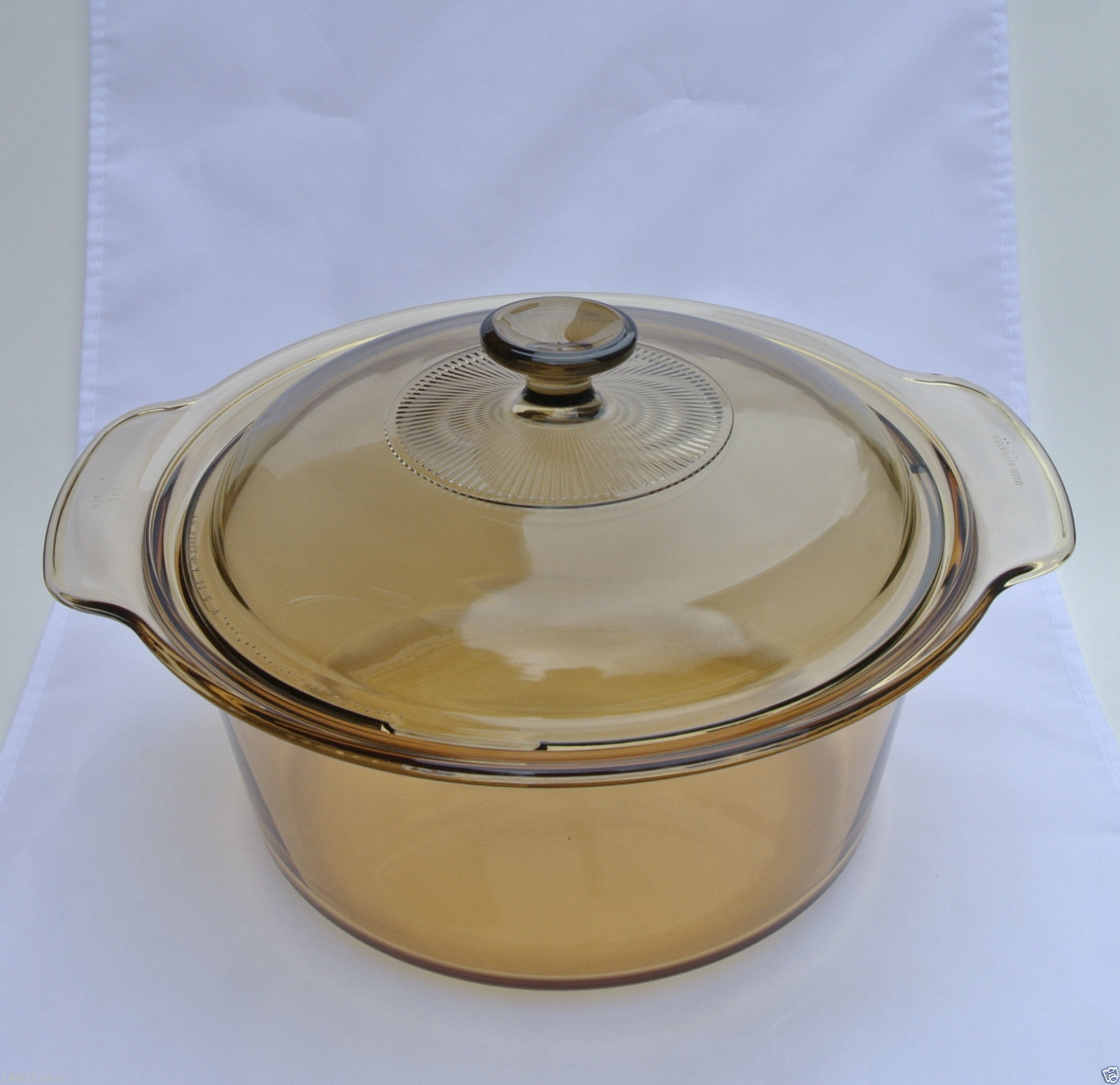 Visions Cookware Pyrex 3.5L Round Dutch Oven With Lid