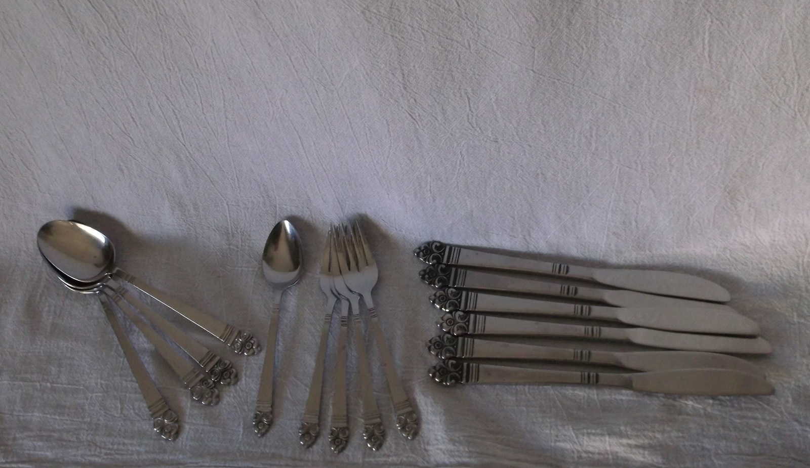 Stanley Roberts Highmont Silver Stainless Pattern Knives