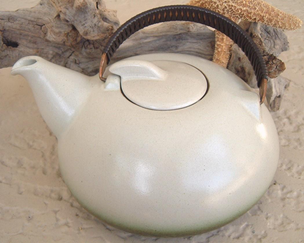 Heath_ceramics_sea_and_sand_teapot_california_pottery