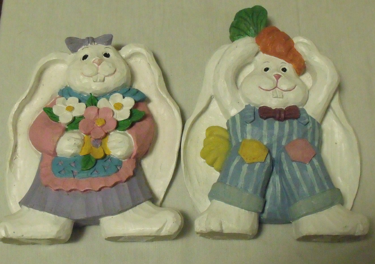 Figurines Girl White Rabbit with Flowers Boy White Rabbit with Carrot