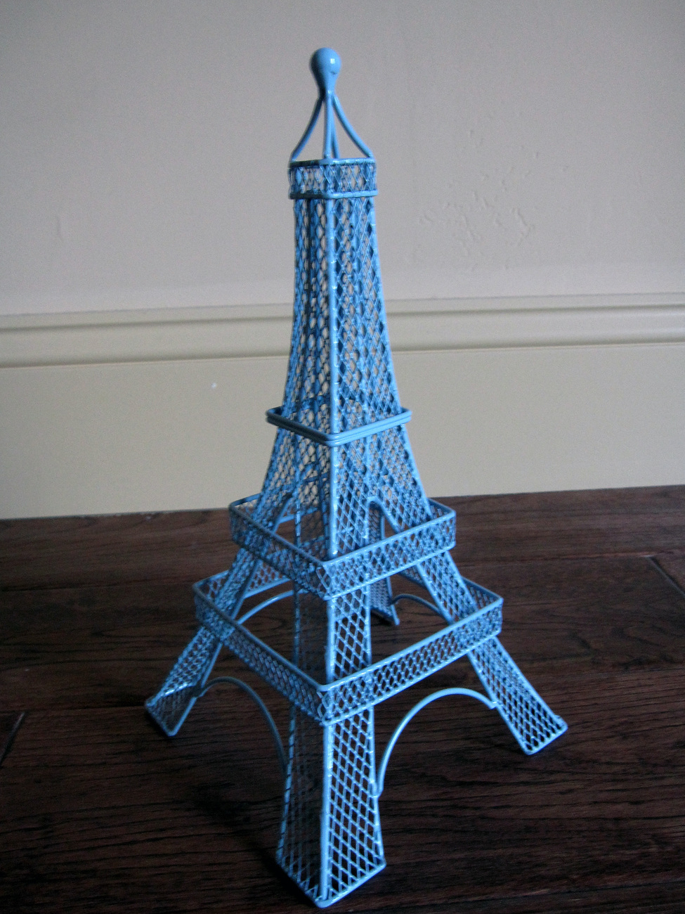 new eiffel tower earring holder display stand light blue
