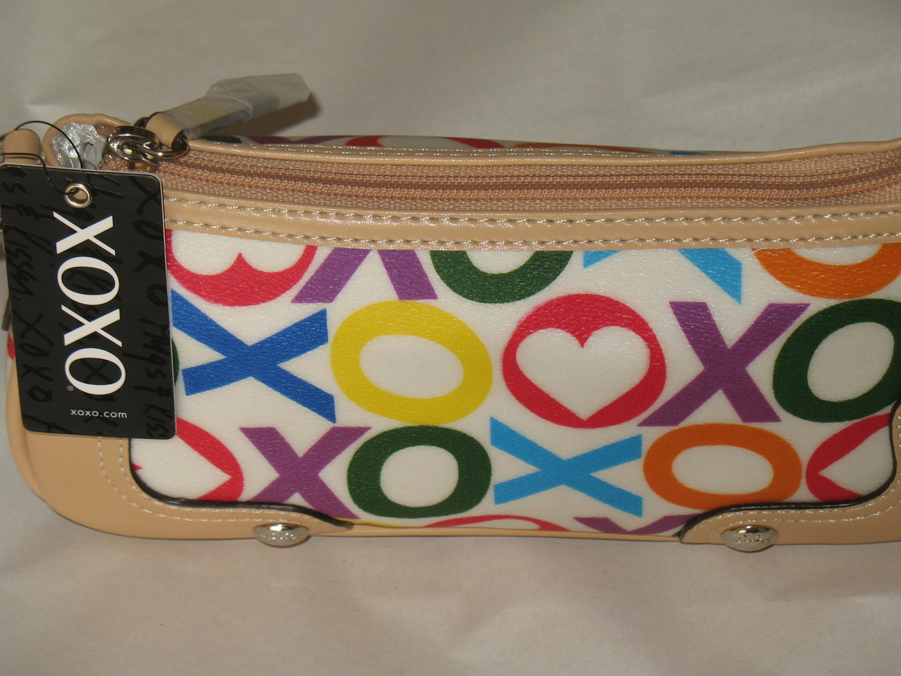 XOXO NEW PURSE HANDBAG WHITE SMALL MULTI-COLOR TOTE NWT