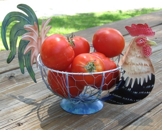 Country Farm Metal Rooster Chicken Vegetable Fruit Wire Basket Kitchen Storage