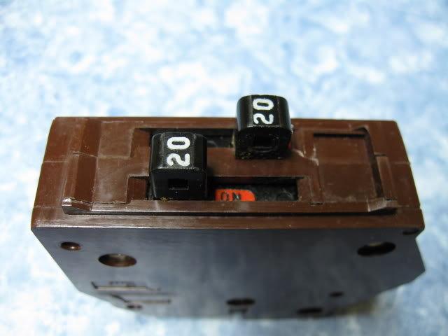 20a wadsworth b2020 tandem breaker twin 20 amp duplex