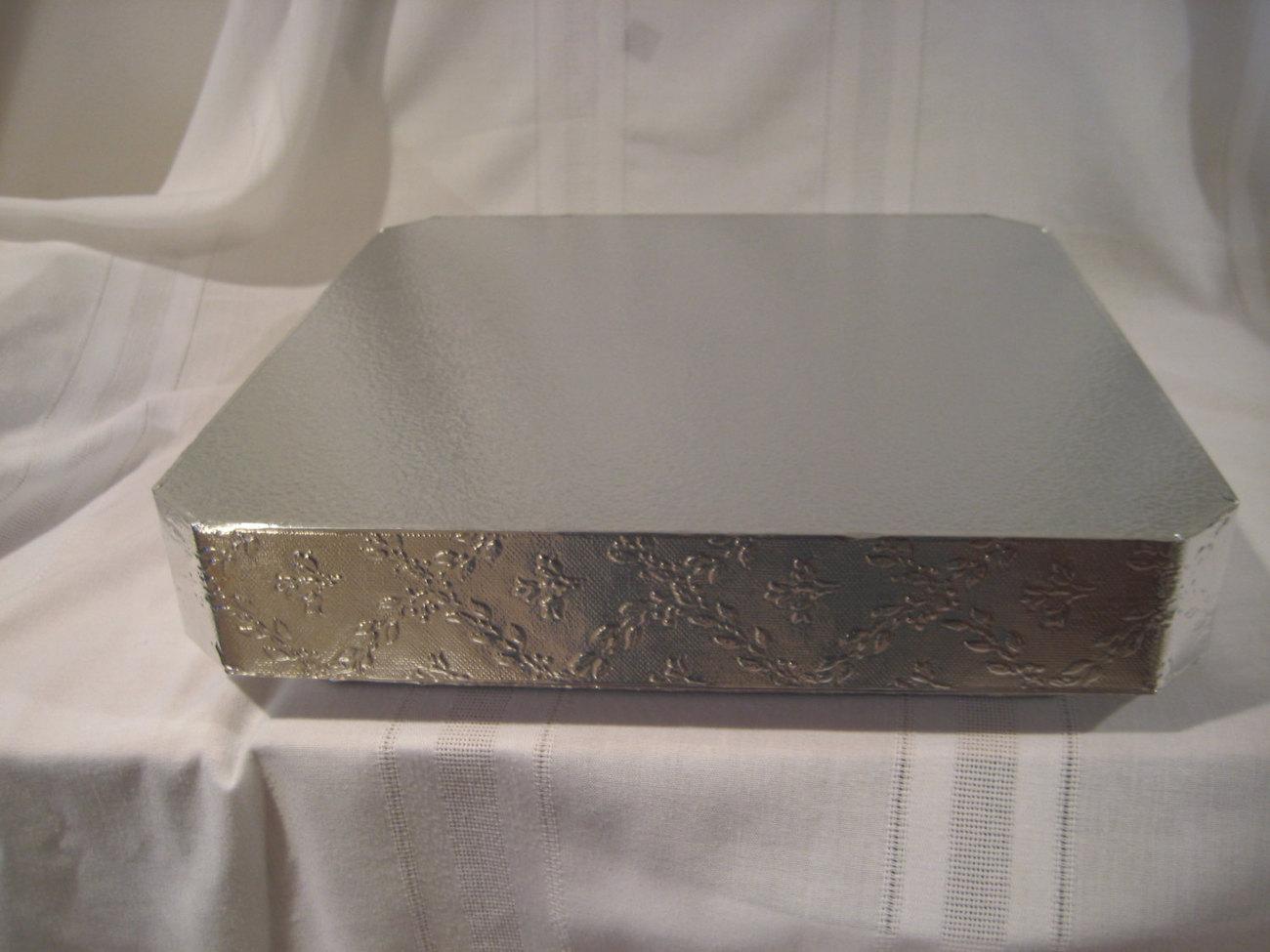 "Cake Stand 18 inch Square ""Leaf And Vine"" Wedding Cake"