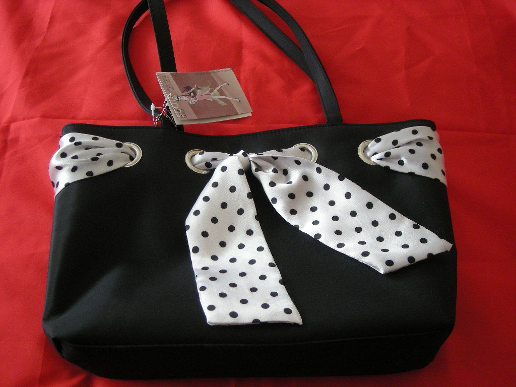 Ladies Tote Bag With Umbrella And Coin Purse. NWT.