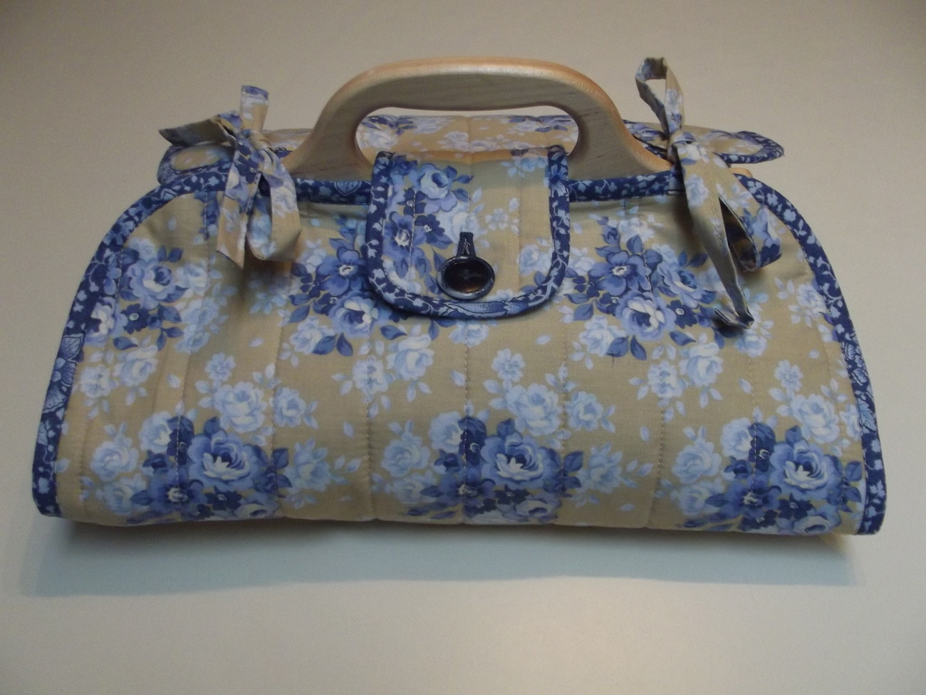 e of a Kind Handmade Quilted Floral Casserole Tote Other