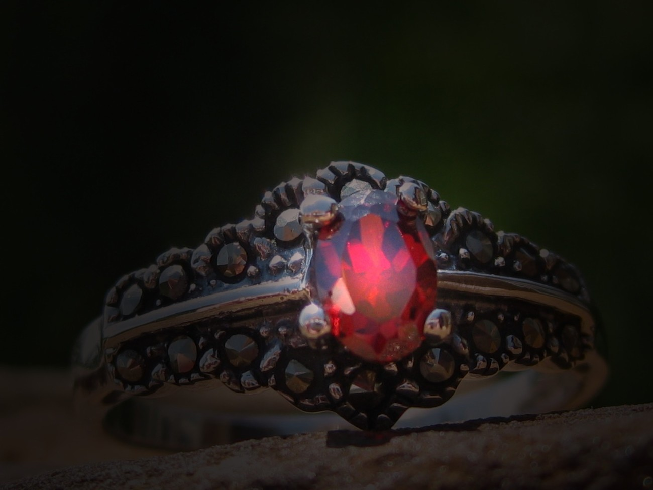 HAUNTED EXTREMELY POWERFUL BECOME MEMBER OF THE VAMPIRE CLAN RING! RARE!