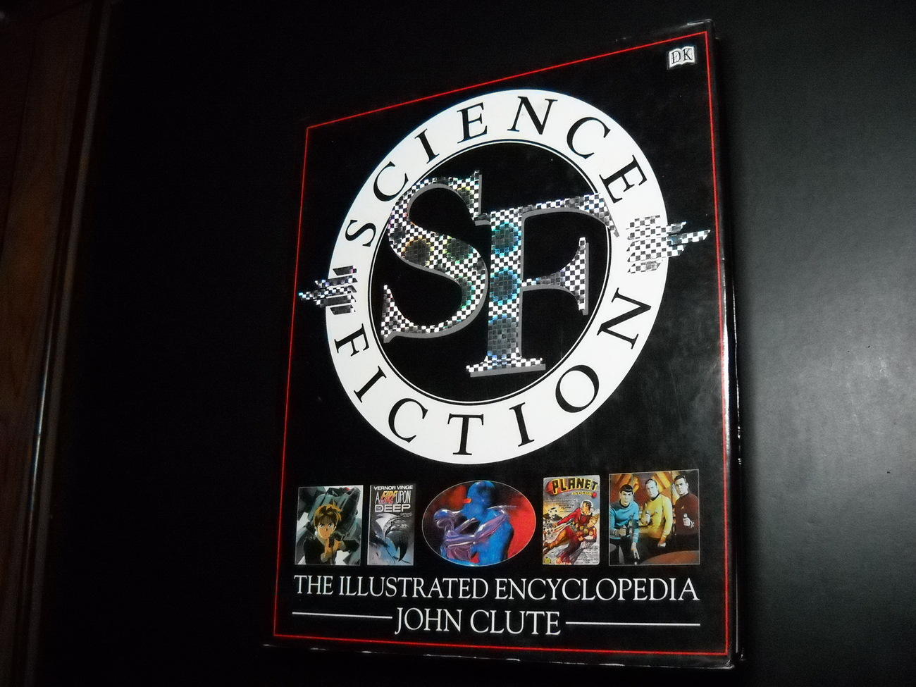 Book_clute_science_fiction_the_illustrated_encyclopedia_hcdj_1995_first_american_edition_01
