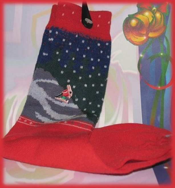 Socks-christmas_1991_red___blue_socks_bunny